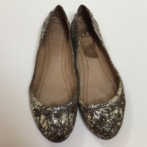 Frye Carson flats, size 8. Silver and tan